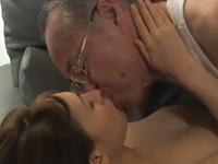 高齢者とのセックス!還暦の義父と濃厚な肉体関係を持つ若妻