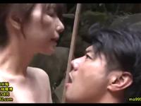 露天風呂で不倫セックスを堪能する色気のある大人の男女