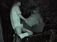 高校生カップルの野外セックスを盗撮!彼女をバックで激しく突く彼氏