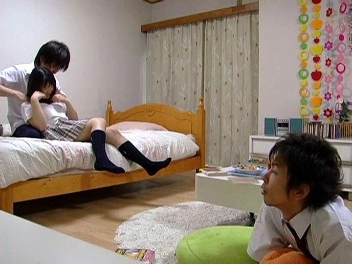 大好きな幼馴染を寝取られる男子学生…2
